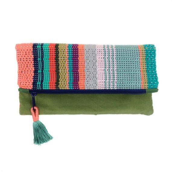 Talia | Tissé à la main coloré Boho Chic embrayage | Rayures tissé Foldover bourse | Corail et menthe sac moderne | Sac de soirée tissé à motifs modernes