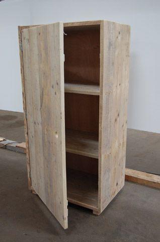 Gemaakt door Pantar én met gerecyled hout! 83*165 geen idee hoe diep € 321,- Naast kast ook tv meubel/dressoir