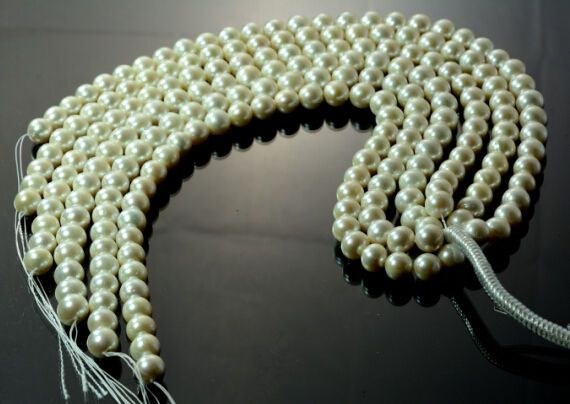 Freshwater Natural Pearl Strand 14 mm 35 beads White Pearls Round Loose Beads