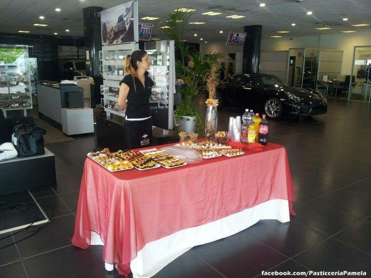 Catering PORSCHE Modena - presentazione Porsche Targa. Seguici su www.facebook.com/PasticceriaPamela