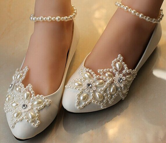 Ballet Flat Wedding Shoes Lace Bridal Shoes Pearl by Jojoangelly