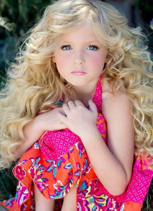 young Farah Fawcett:)