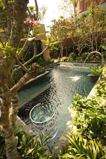 Outdoor Vitality Pools @ ESPA at Resorts World Sentosa in Singapore