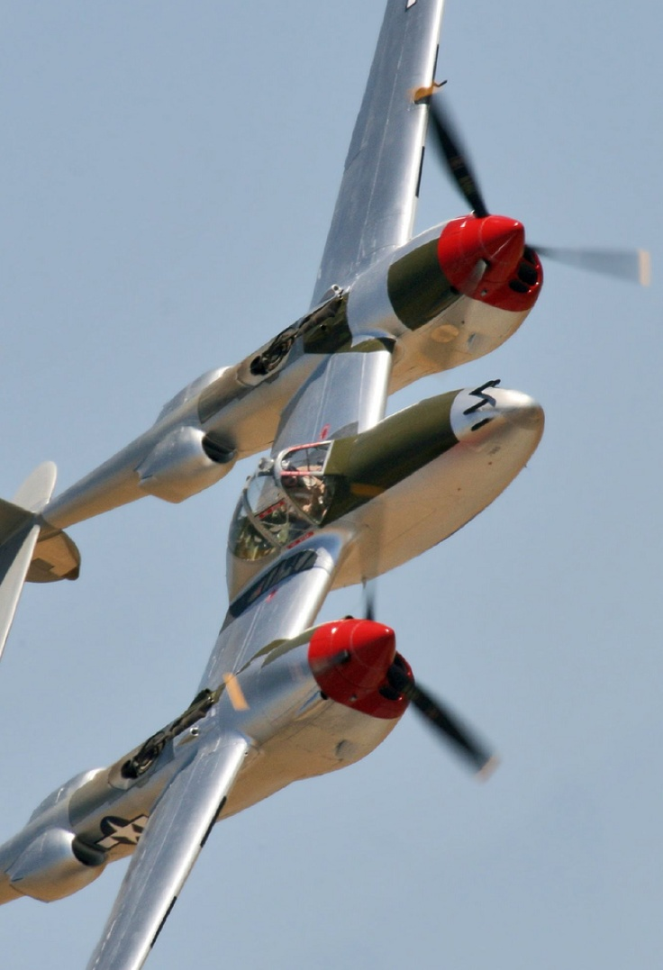 P-38. One plane i definitely want to fly in....