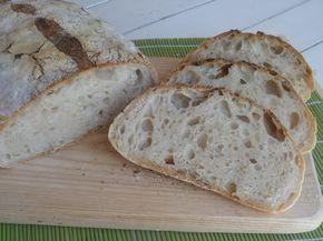 il pane della domenica - Creando si impara - Sperimentato: ottimo, da rifare sicuramente. E' cresciuto in maniera esplosiva in cottura, bellissimo e buonissimo. Siccome avevo poco tempo, ho messo 90 g di licoli (anzichè 30 g, per fare mezza dose) e la prima lievitazione l'ho fatta per 3 ore