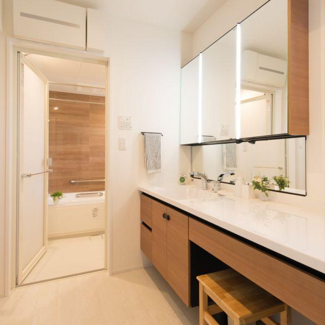 バス トイレ リクシルの洗面台 洗面台 初投稿 北欧 などのインテリア