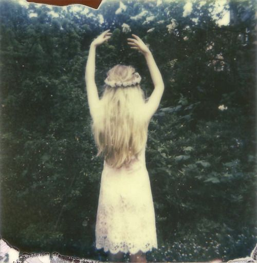 she was a ghost of a girl.: Girl, Inspiration, Hippie, Style, Posts, Flowers, Hair, Photography