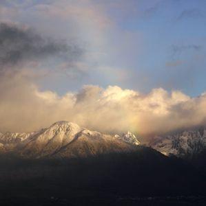 Všetko v jednom - sneh, dážď. obloha, oblačnosť, dúha ......
