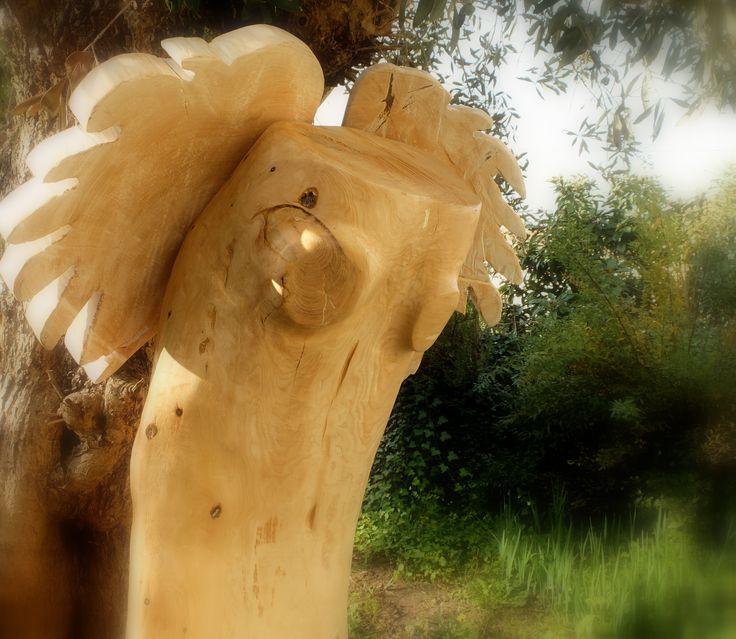 pedro d'oliveira. Anjo(a)?!,  escultura em madeira policromada.  Anadia, Aveiro, Portugal, dez.2015.