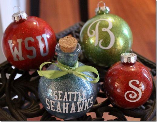 Glitter ornaments: Glitter Ornaments, Ornaments Tutorials, Gifts Ideas, Glasses Jars, Christmas Ornaments, Christmas Ideas, Glitter Jars, Clear Ornaments, Christmas Gifts