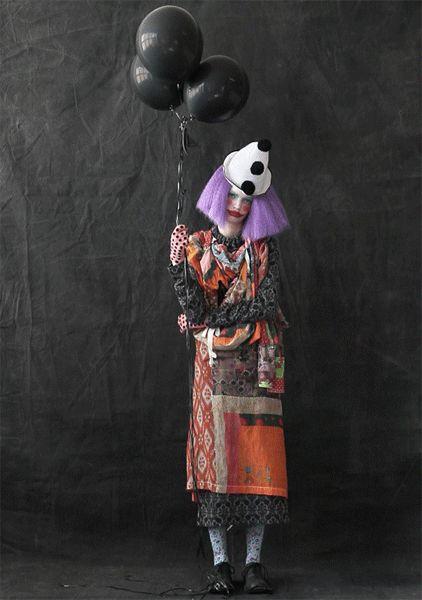 Evelyne Politanoff: Fashion At The Circus: A Freak Show