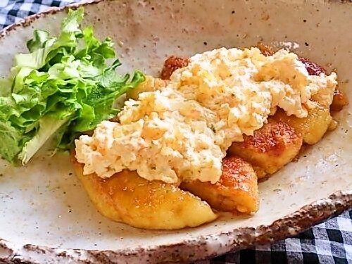【nanapi】 1人前100円以下でも満足できるメインおかず「豆腐でヘルシーおいしいチキン南蛮風」の作り方をご紹介します。鶏肉に見立てた豆腐ハンバーグに、甘酢をしっかりからめてタルタルソースと一緒に食べれば、満足できるおいしい1品になります。鶏肉よりも安くて低カロリーな豆腐を使うので、節約したいときや...