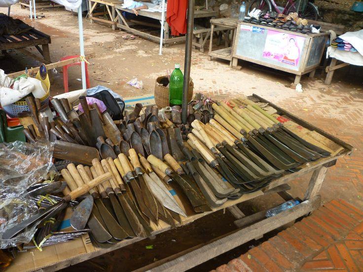 Laos coltelli