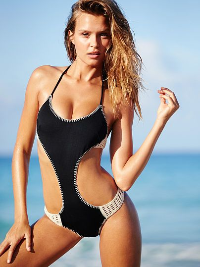 Josephine Skriver || VS SWIM Surf Crochet Monokini (Black)
