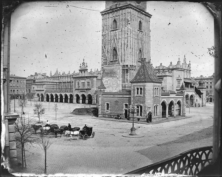 Rynek Główny z Wieżą Ratuszową i Sukiennicami, fot. Ignacy Krieger, ok. 1885