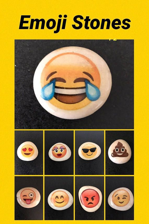 "SNOWMAN HAPPY FACE Pinback Button Badge 1.5/"""