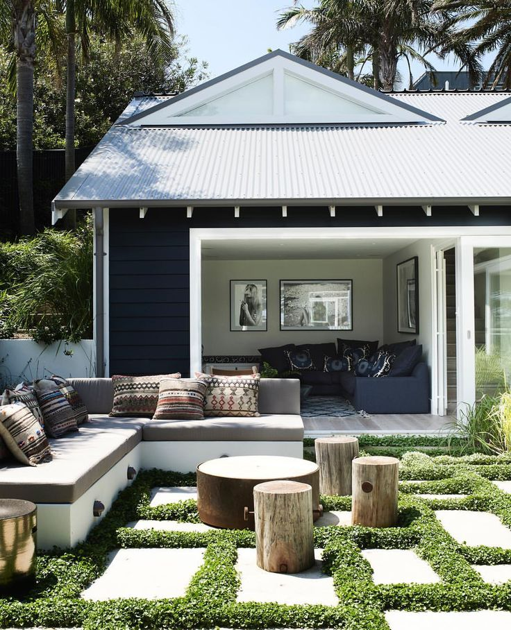 "326 Likes, 7 Comments - Prue Ruscoe (@prueruscoe) on Instagram: ""Beautiful outdoor space created by Justine Hugh jones and will Dangar in this months belle.…"""