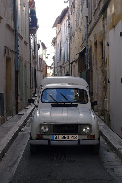 """Vintage Renault 4. Used to see these frequently in Tunis...called them """"clown"""" cars!"""