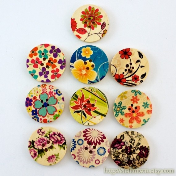 wooden buttons - could I just use wooden circles and scrapbook paper scraps? magnets