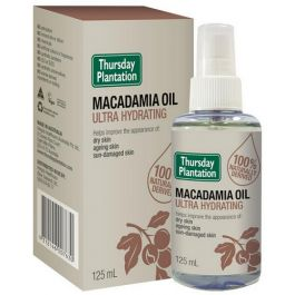 Thursday Plantation Macadamia Oil is ultra hydrating and helps improve the appearance of dry skin.  Thursday Plantation Macadamia Oil is 100% naturally derived and helps ageing and sun-damaged skin.