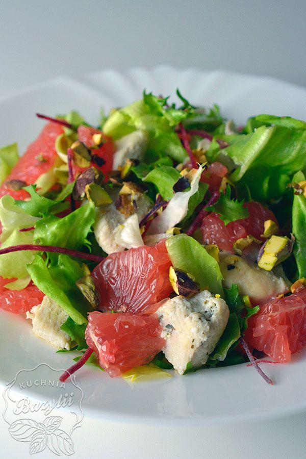 Sałatka z kurczakiem i grejpfrutem jest bardzo pożywna, a dodatkowo mało kaloryczna - polecana na diecie. Zapraszam po smaczny przepis.