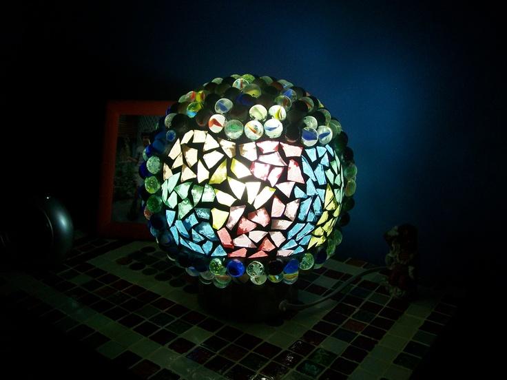 Lampara Con Canicas Y Vidrio Lamparas Artesanales Con Mosaicos Http T Co Qszlwa0kyc