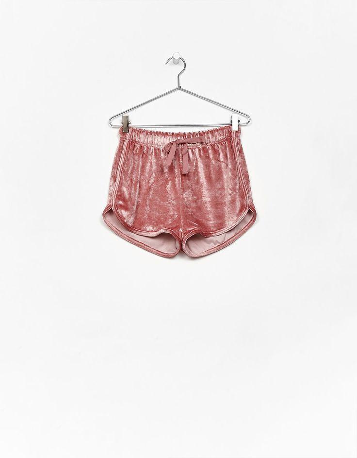 Velvet shorts - Bershka #velvet #pink #shorts #bershka