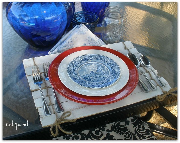 DIY: Rustiqueartblog.com suggest a fantastic place mat . Perfect for a special day. Easy and Cheap.