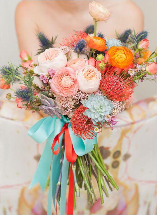 Candy colors em tonalidades pastéis dão um bouquet de noiva romântico e alegre!