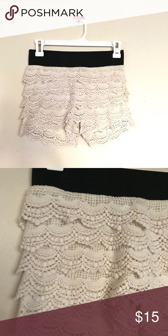 Cream Lace Shorts Super cute lace shorts in great condition! Cream and black. Size Small. Full Tilt Shorts