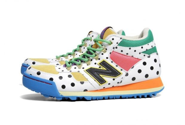 I'm a sucker for colorful sneakers and this Frapbois New Balance H710 mod looks cool! ¥13,440