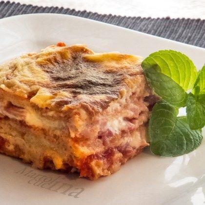 Le lasagne finte velocissime di pancarrè sono perfette per ogni occasione. Pratiche, veloci, facilissime e molto economiche.