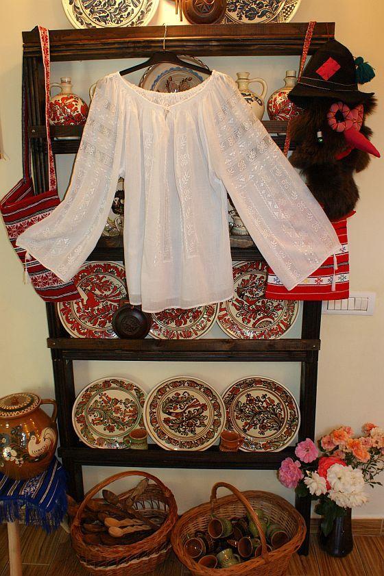 Ie romaneasca din panza topita,camasa populara traditionala Prahova