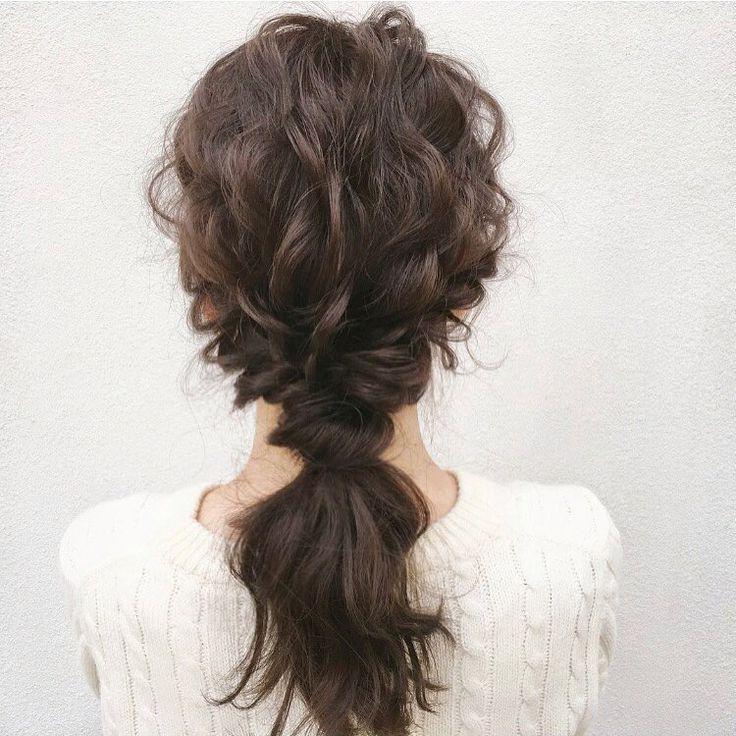 ナチュラルポニーテール��✨ ・ #東京#恵比寿#tokyo#hair#hairstyle#updo#hairdresser#wedding#weddingdress#bridal#bride#braids#make#tutorial#fashion#fashionista#style#鹿児島#ヘアアレンジ#ウェディング#結婚式#プレ花嫁#挙式ヘア#二次会#ファッション#メイク#アクセサリー#发型#新娘化妝#헤어스타일 http://gelinshop.com/ipost/1517423835758218853/?code=BUO-PBgFE5l