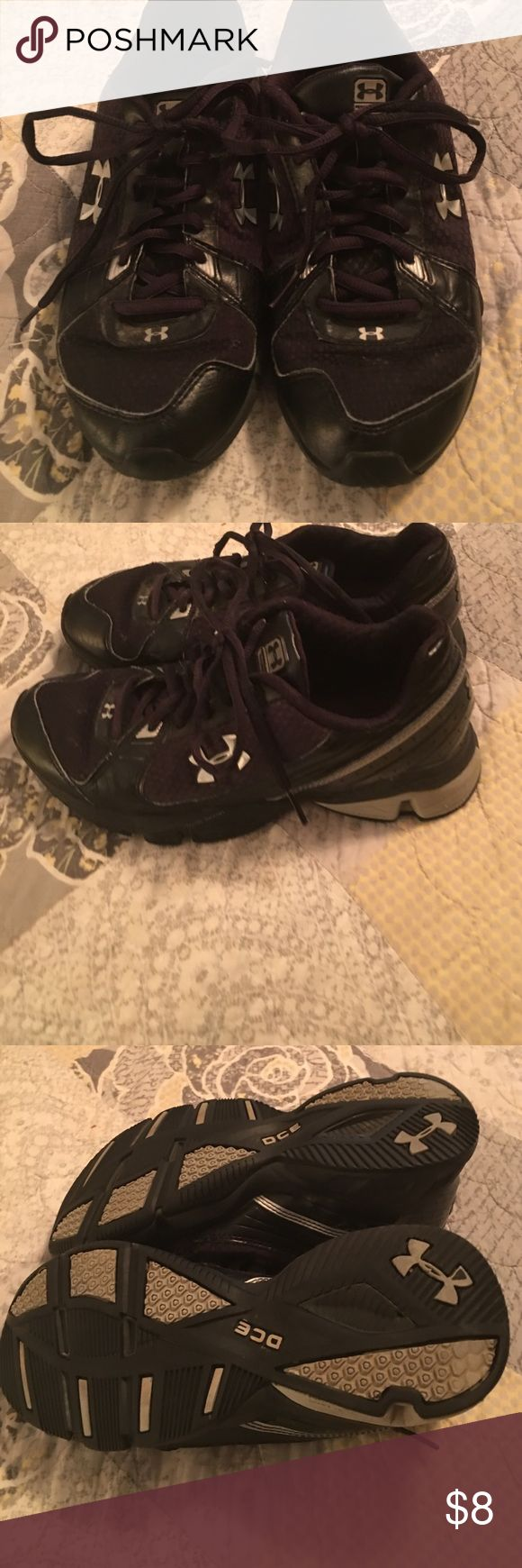 Under armor shoes Under armor shoes in good condition super comfy Under Armour Shoes Athletic Shoes