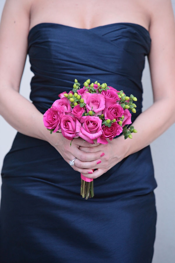 Lovinu0027 That Navy Dress And The Way The Pink Roses Just ...