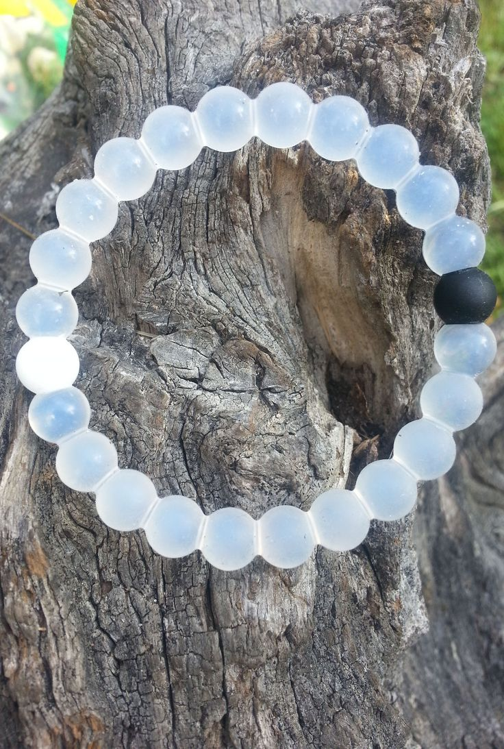 A Lokai Bracelet MEDIUM IN WHITE/clear please