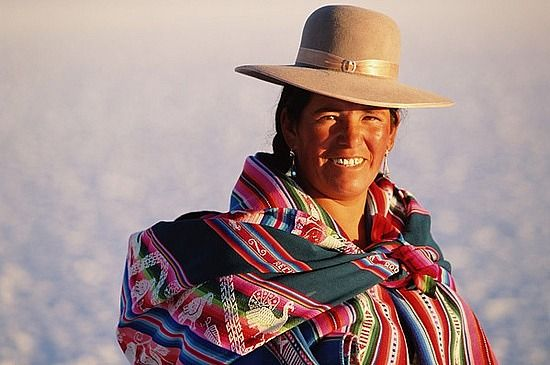 Boliviana: American Living, Favorite Places, Bolivian Woman, Traditional Dresses, Bolivia Travel, South American, America Bolivia, America Obsession, Bolivia Trips