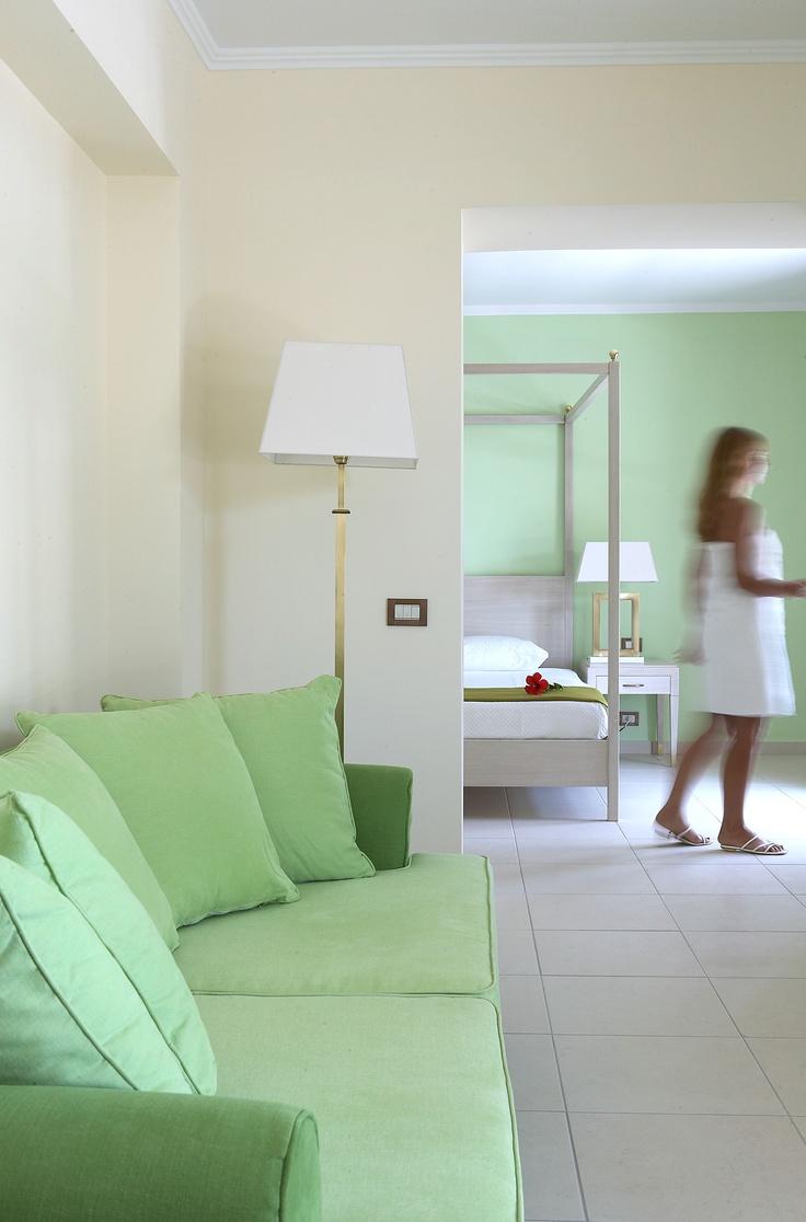 Mediterraneo Classic family room