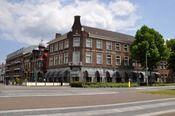Hotel Wilhelmina Venlo  Description: Hotel Wilhelmina in Venlo is een traditioneel en sfeervol hotel met 43 comfortabele kamers een lift een stijlvol restaurant en prima keuken ruime ontbijtzaal verschillende gezellige bars conferentie zalen WiFi (breedband internet in hele hotel) en een ruime eigen parkeerplaats naast het hotel. Gelegen tegenover het station van Venlo gelegen en gemakkelijk te bereiken vanaf de A67 en de A73. Hotel Wilhelmina is de beste keus voor een zakenverblijf of om de…