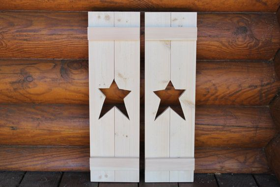 Primitive shutter with a star cutout. by TrammellsWoodworking