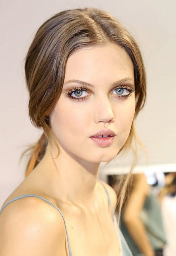 Lashed-out, romantic look on Lindsey Wixson // Fresh new take on boho chic for Paul & Joe's S/S 15 runway
