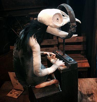 「ピアノ弾きのカラス」