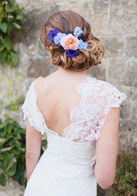 Romantic bridal hair with flowers - Lonneke van Dijk Fashion Hairstylist