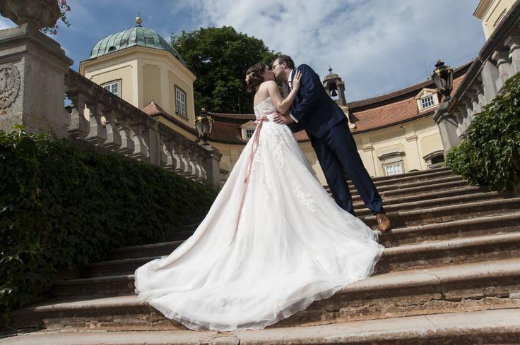 #Buchlovice #wedding #dress #Pronovias