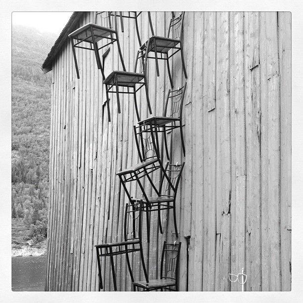 #mosjøen #stolkunst på naustveggen #art #chair