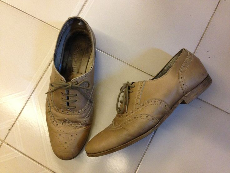 Nude leather oxfords