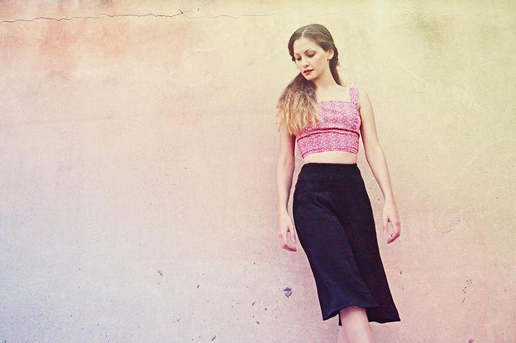 Red Top-Black jupe-culotte  BADILA Spring-Summer '15