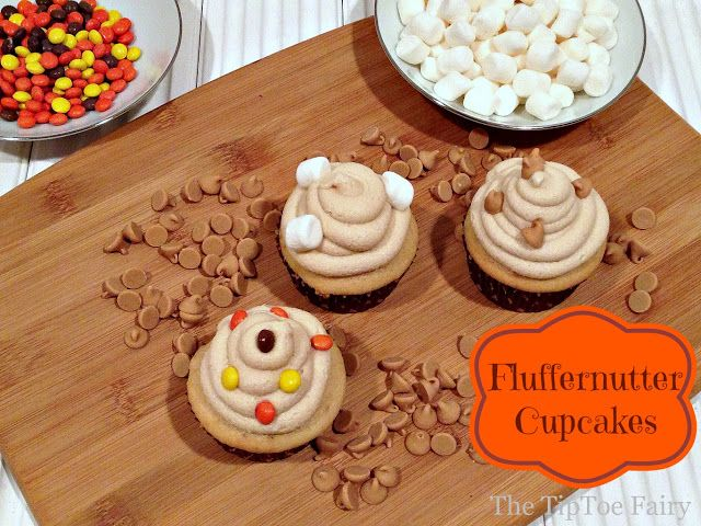 Fluffernutter Cupcakes - pb and marshmallow creme cupcakes, starting with a cake mix - via tiptoe fairy