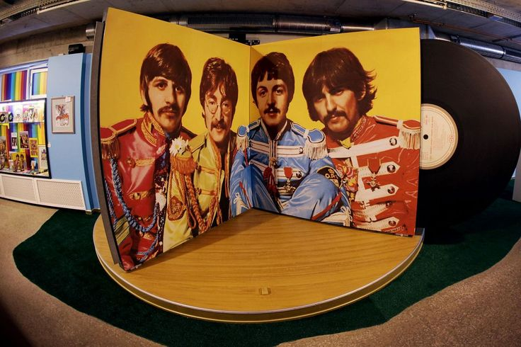 SupremeCapitalGroup on Sgt pepper, Brothers in arms, Album